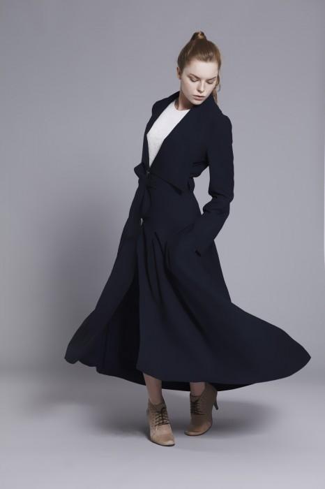 long-navy-coat-by-vyosna