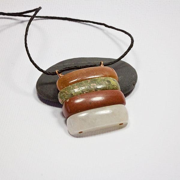 simple-agate-gemtsone-penda
