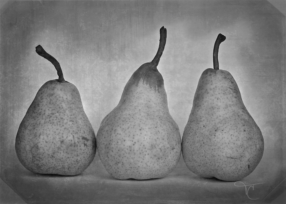 pears-black-and-white