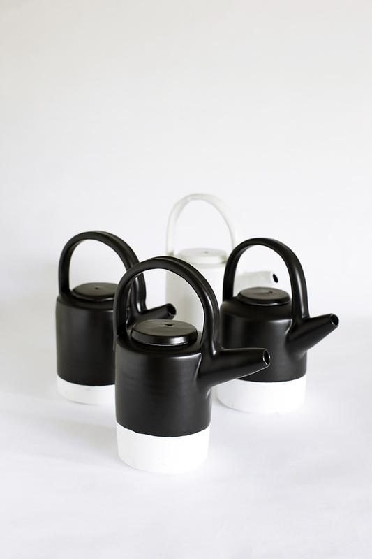black-teapots